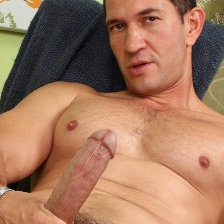 Older Muscleman Solo