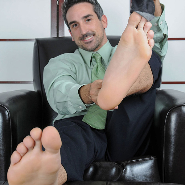 Daddy Shows Off Bare Feet